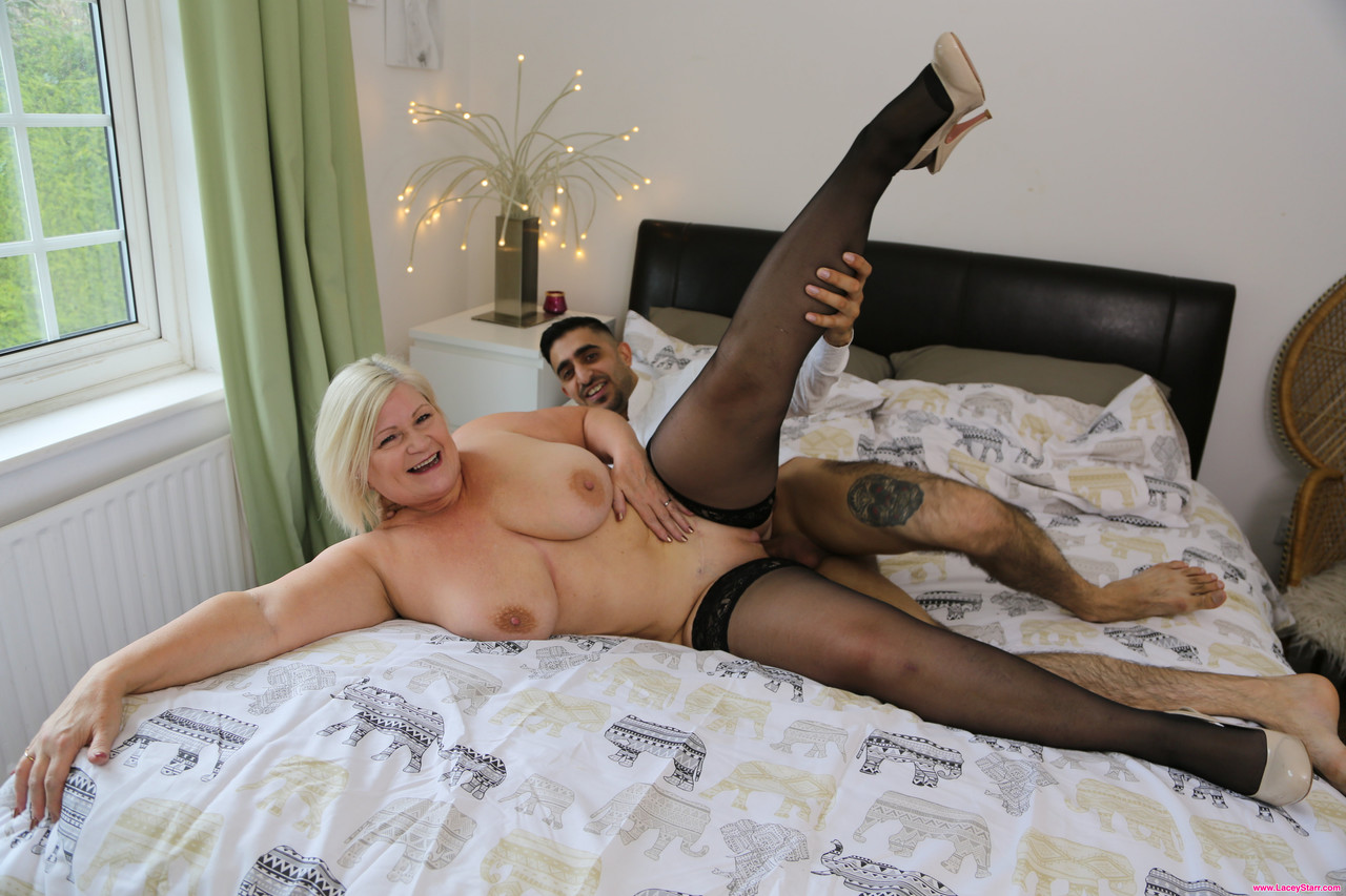 Mature women and grannies. Gallery - 1262. Photo - 13