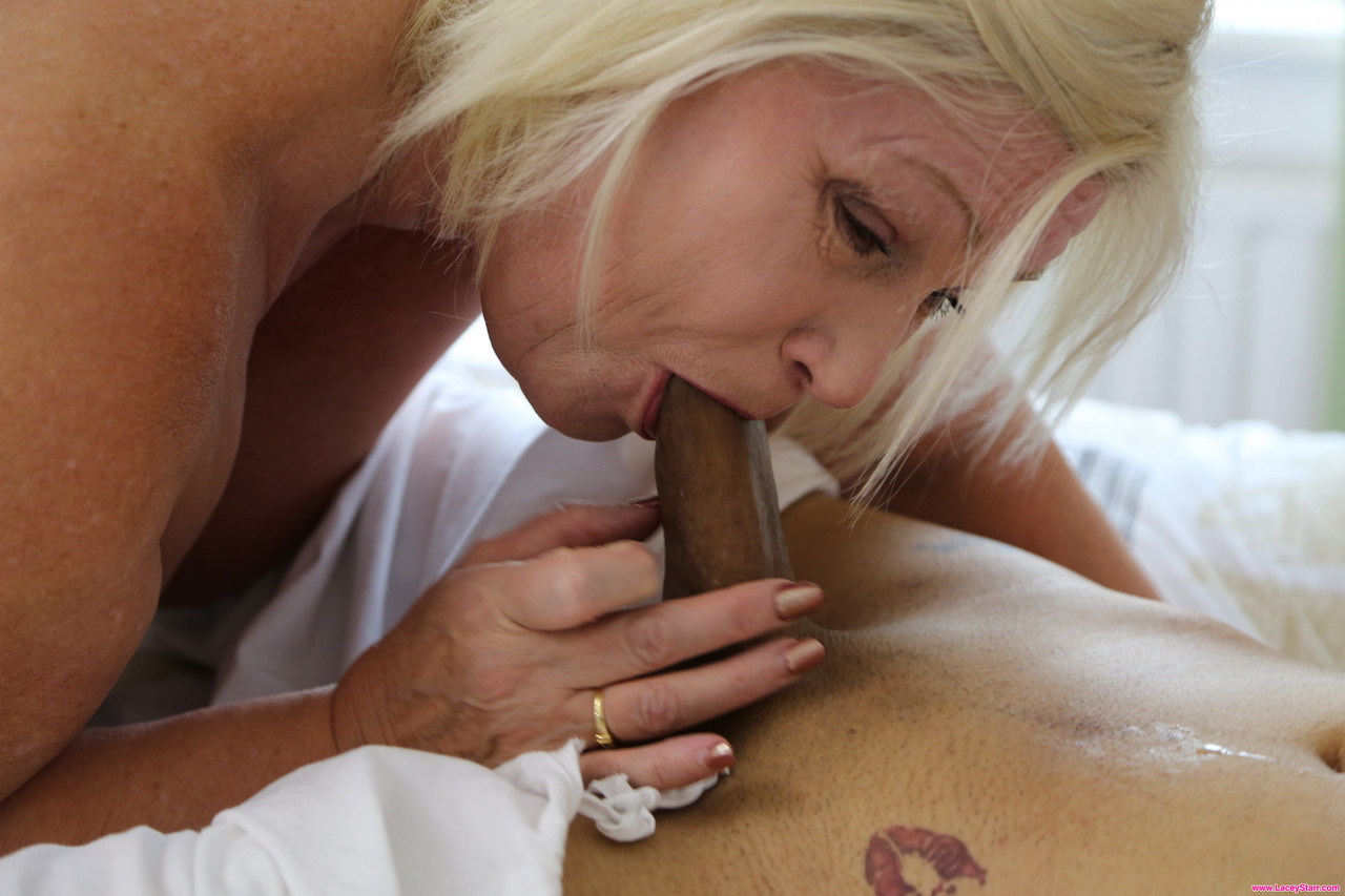 Mature women and grannies. Gallery - 1262. Photo - 9