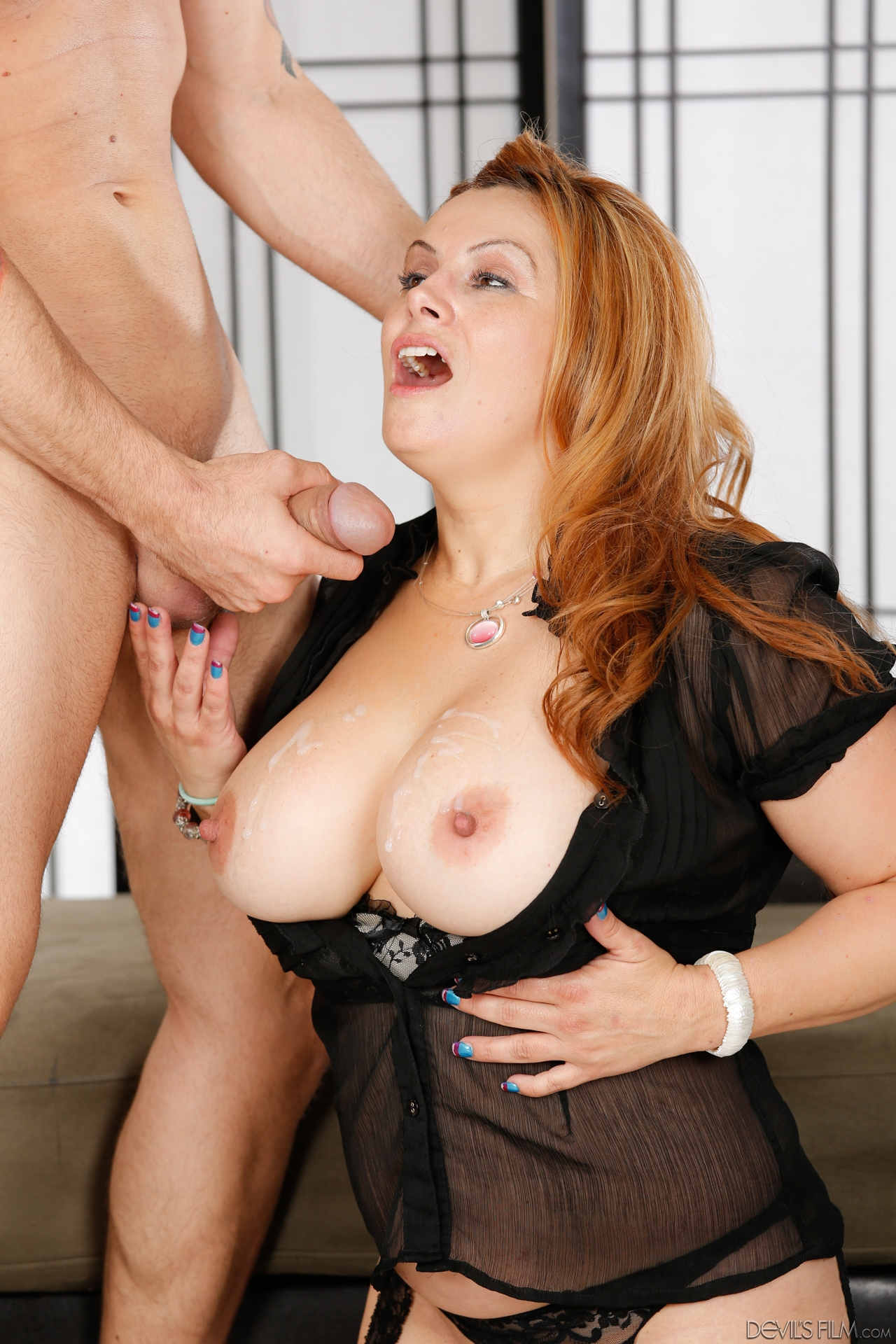 Mature women and grannies. Gallery - 1264. Photo - 14