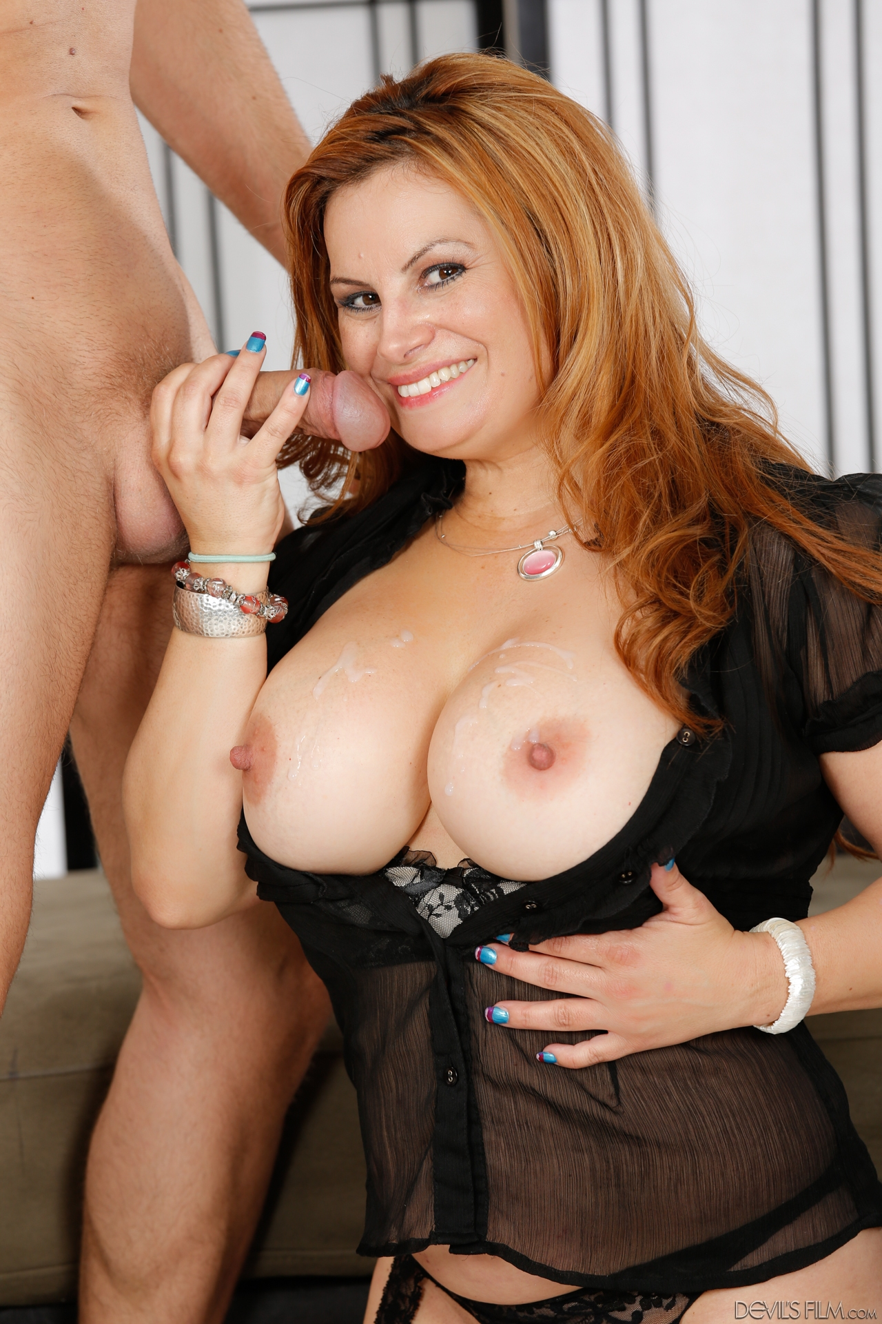 Mature women and grannies. Gallery - 1264. Photo - 15