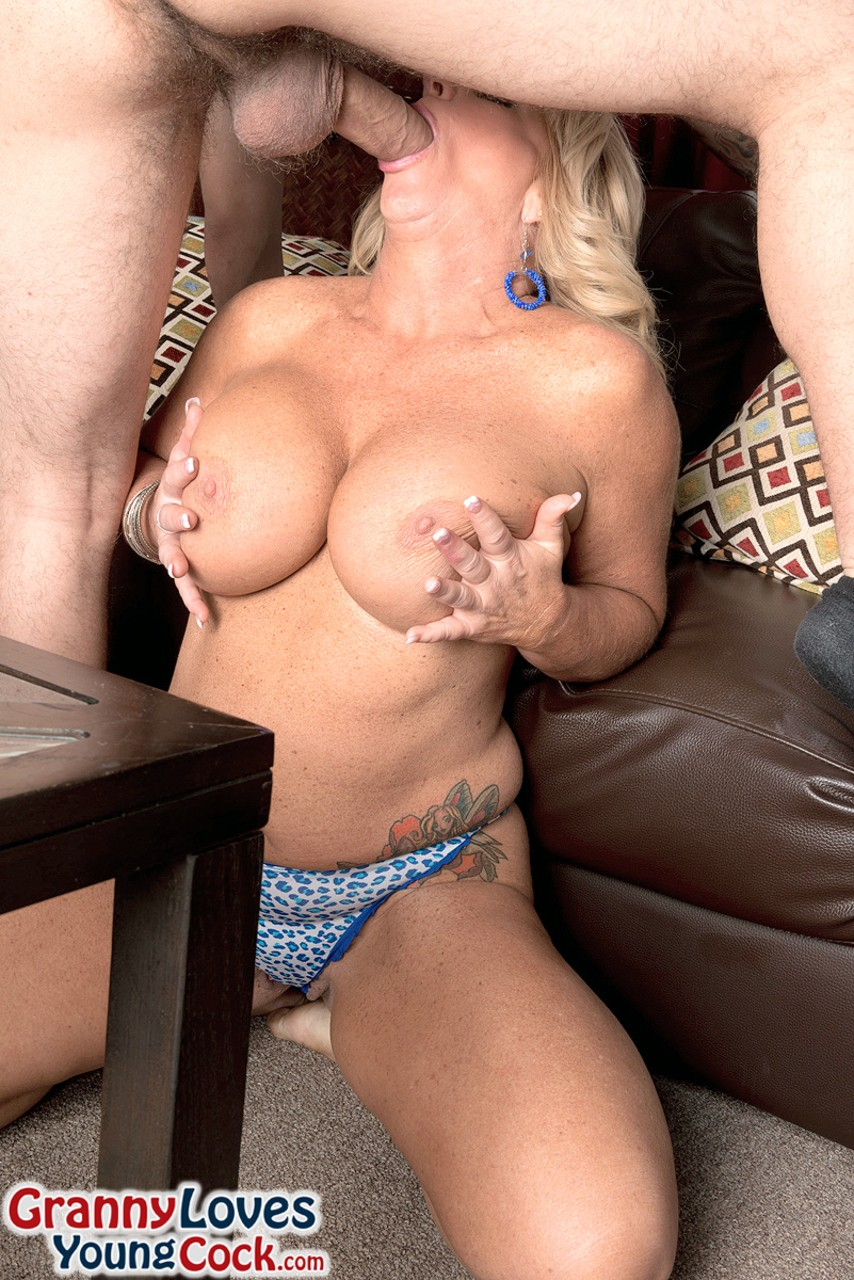 Mature women and grannies. Gallery - 1270. Photo - 6