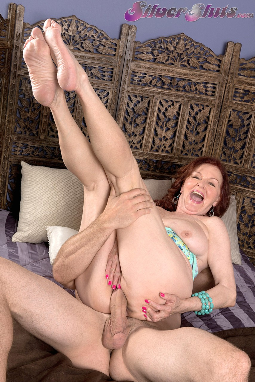 Mature women and grannies. Gallery - 1284. Photo - 11