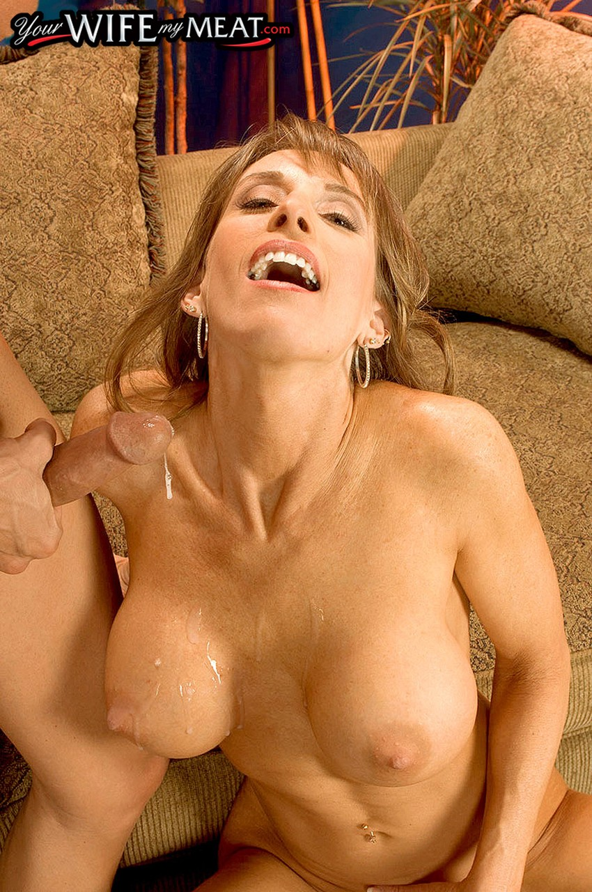 Mature women and grannies. Gallery - 1296. Photo - 16