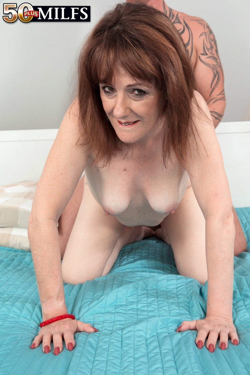 Mature women and grannies. Gallery - 1303. Photo - 12