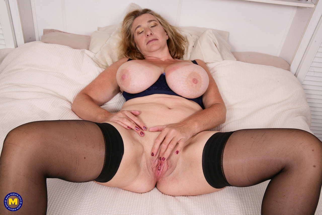 Mature women and grannies. Gallery - 1306. Photo - 11