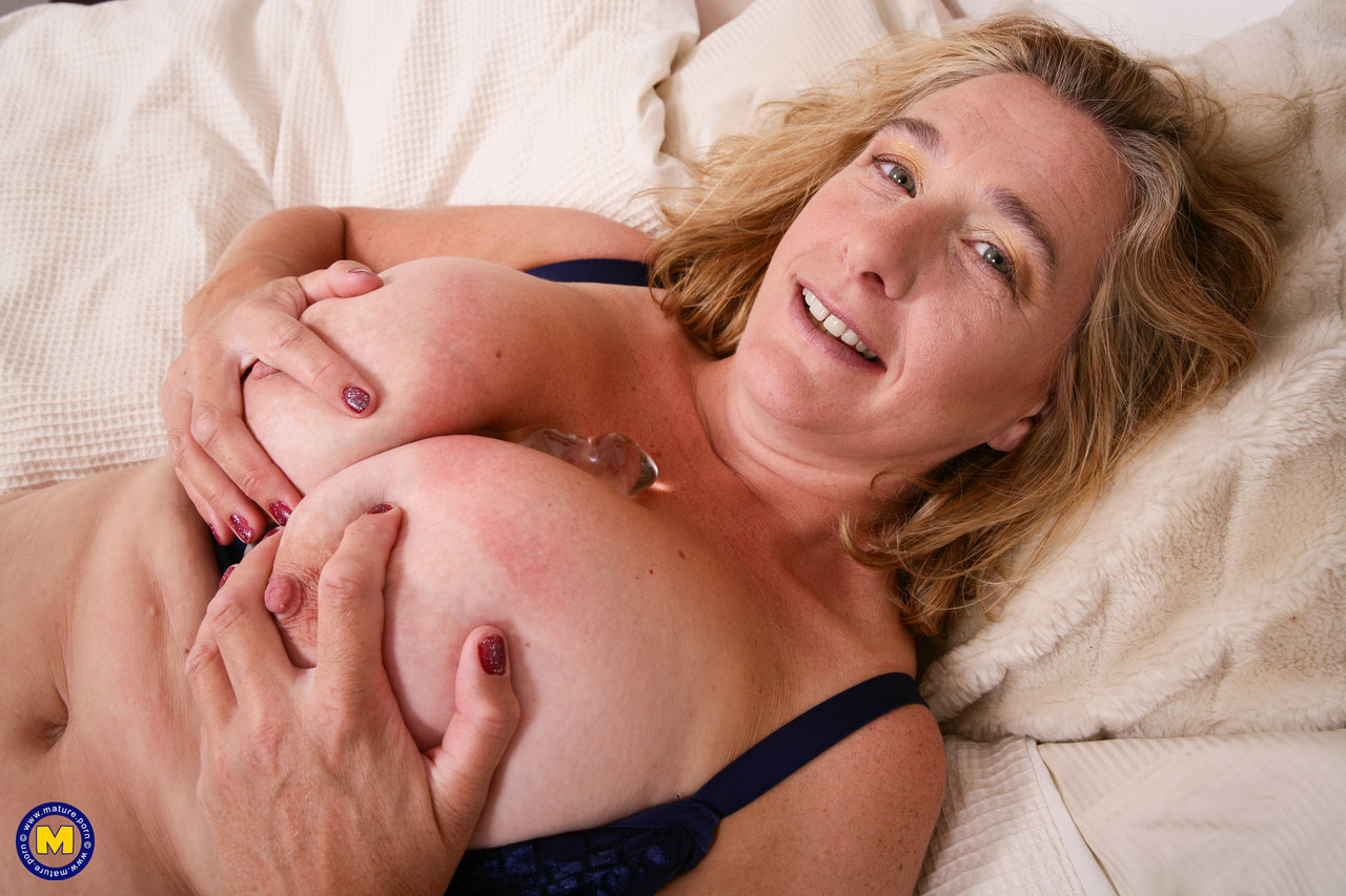 Mature women and grannies. Gallery - 1306. Photo - 13