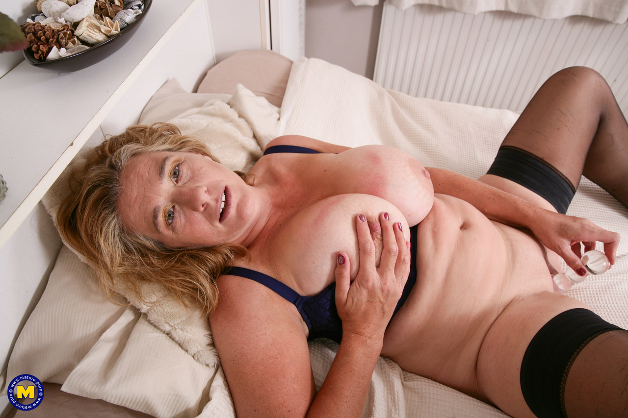 Mature women and grannies. Gallery - 1306. Photo - 15