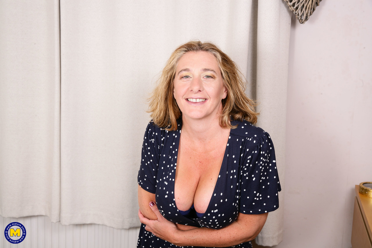Mature women and grannies. Gallery - 1306. Photo - 2