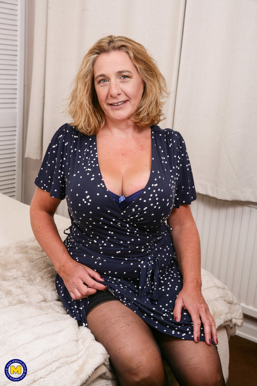 Mature women and grannies. Gallery - 1306. Photo - 3