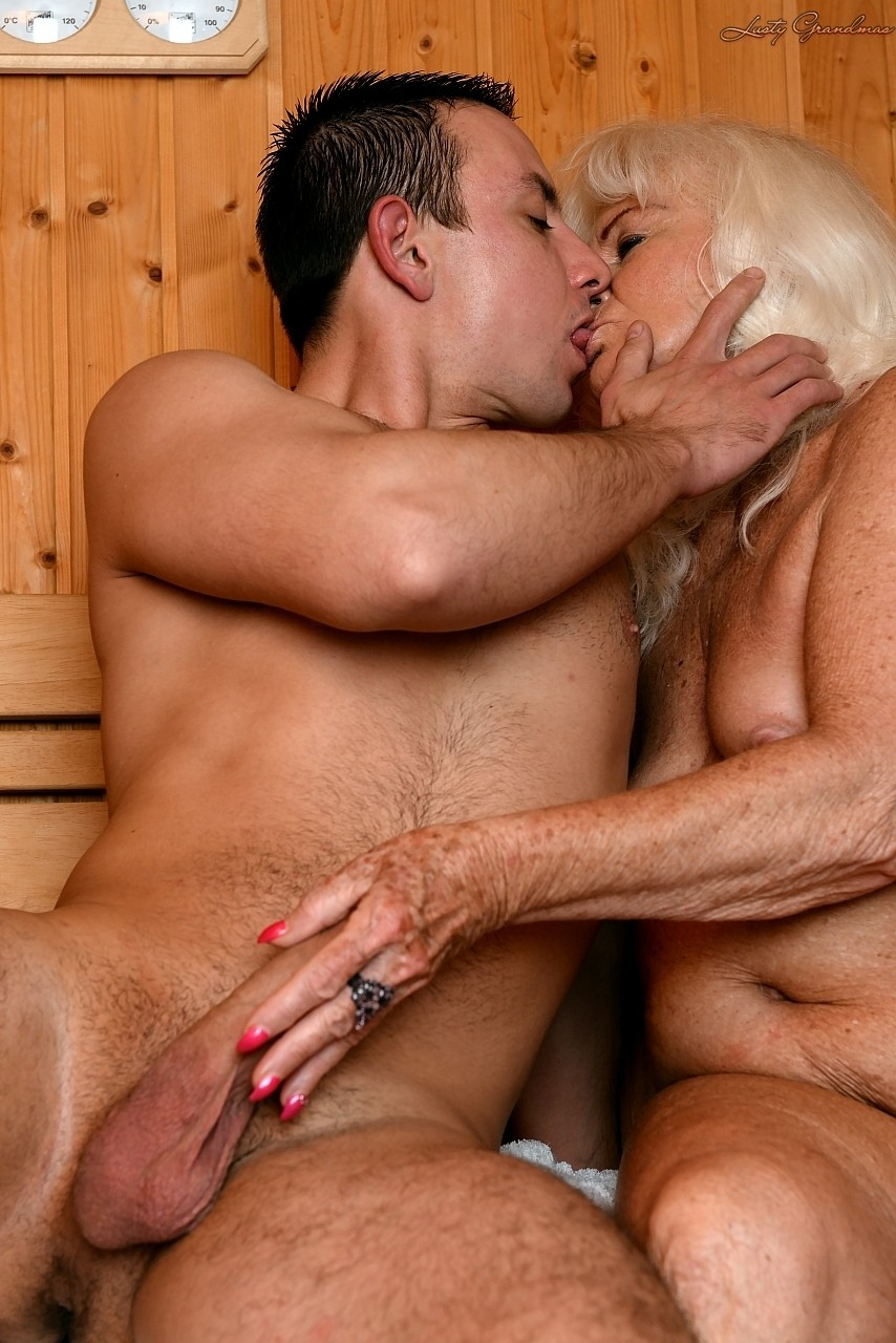 Mature women and grannies. Gallery - 1307. Photo - 5