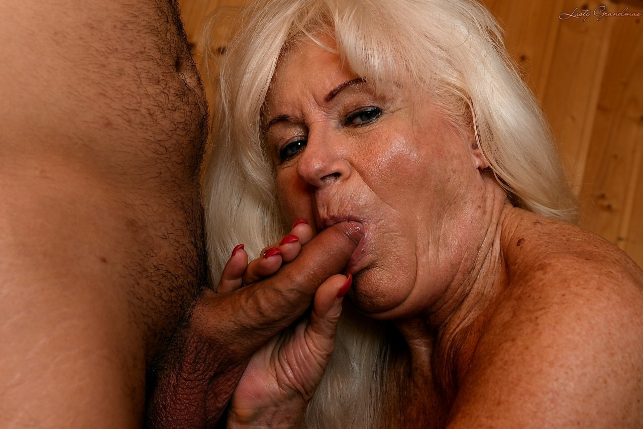 Mature women and grannies. Gallery - 1307. Photo - 7