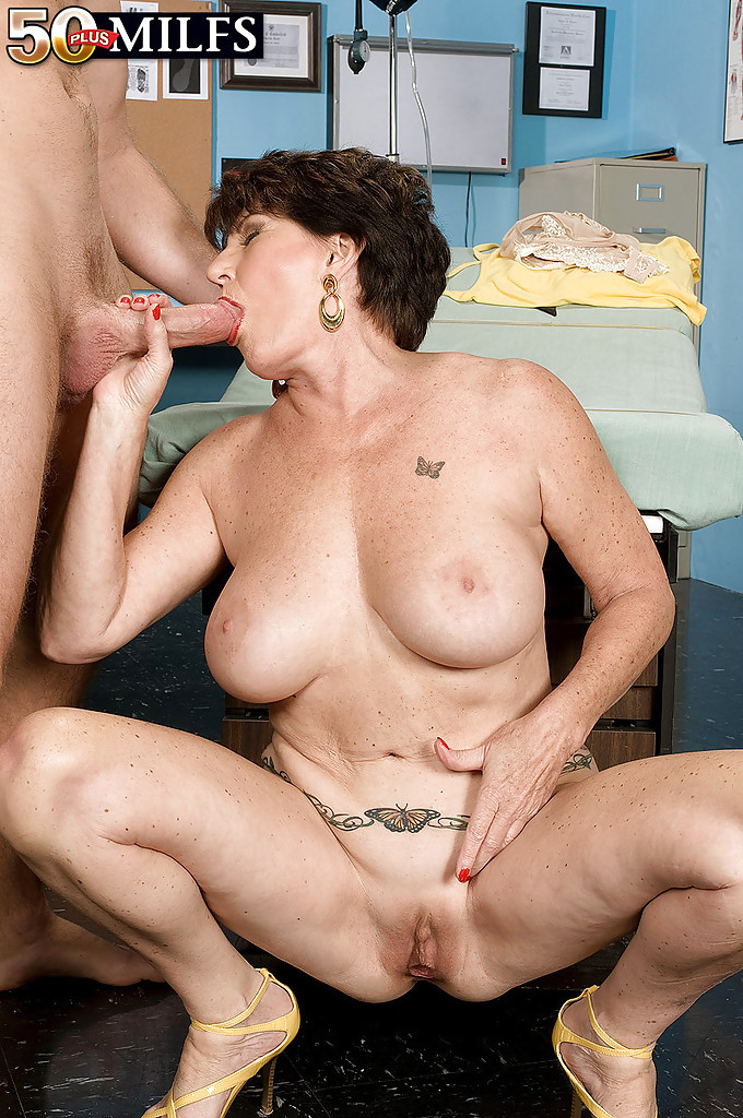 Mature women and grannies. Gallery - 1309. Photo - 10