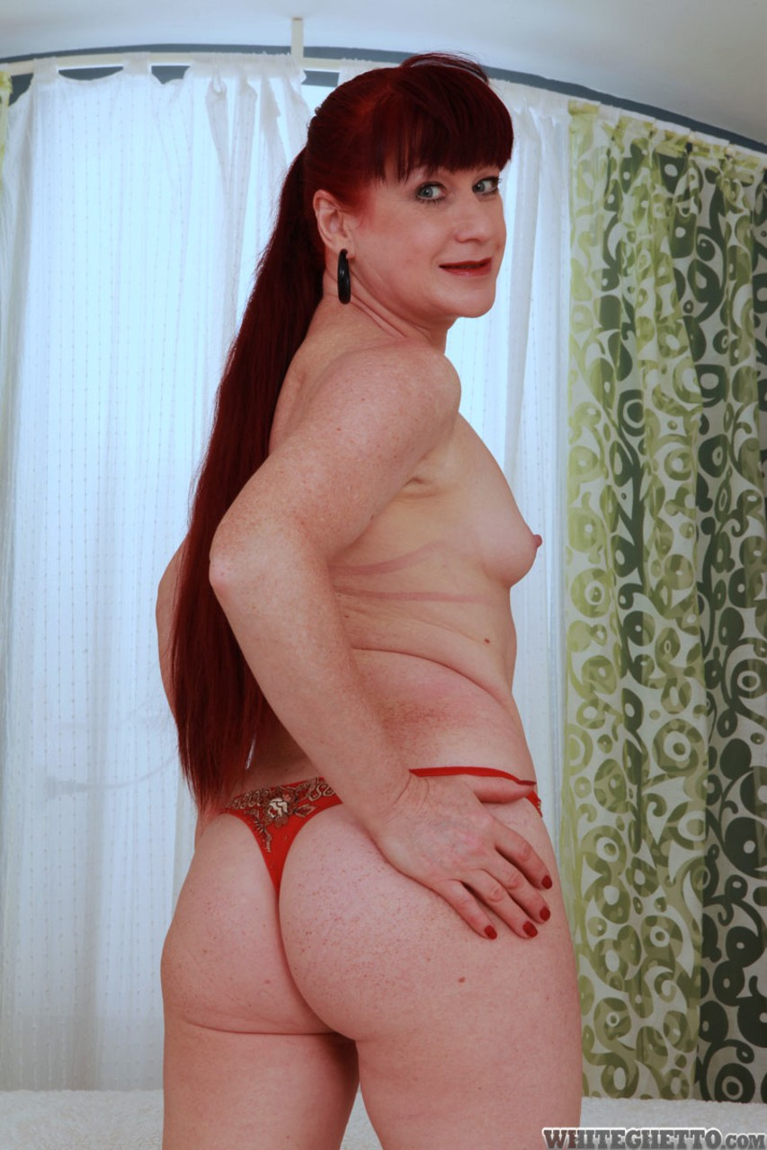 Mature women and grannies. Gallery - 1322. Photo - 2
