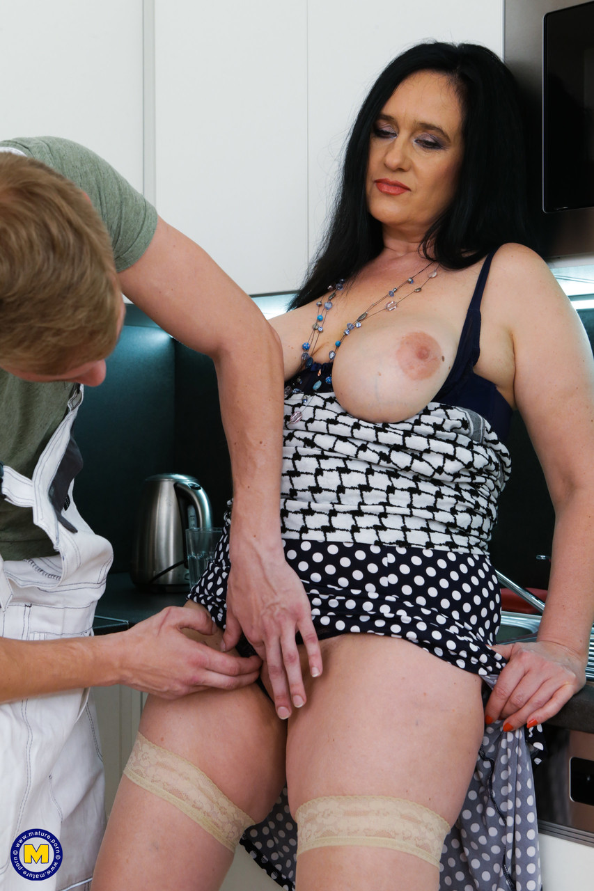 Mature women and grannies. Gallery - 1327. Photo - 5