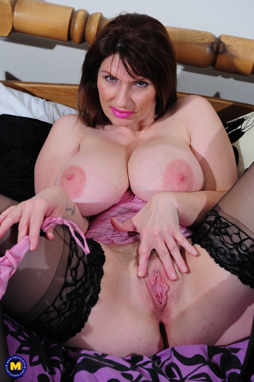 Mature women and grannies. Gallery - 1338. Photo - 12