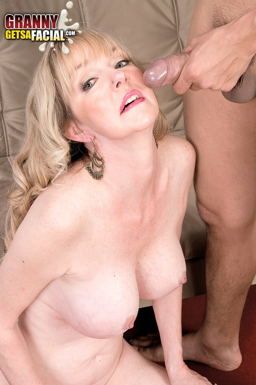 Mature women and grannies. Gallery - 1342. Photo - 15