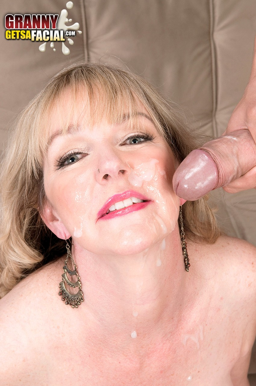 Mature women and grannies. Gallery - 1342. Photo - 16