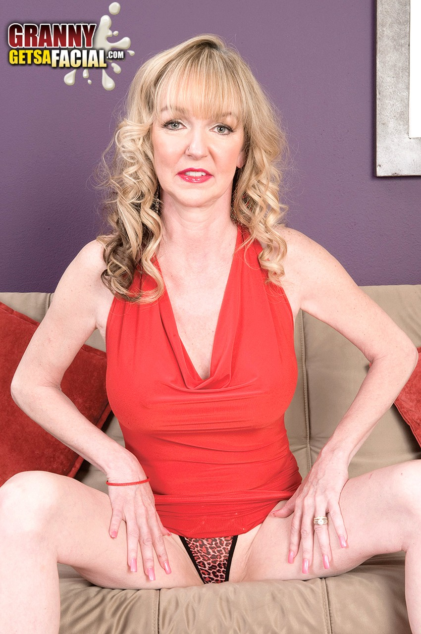 Mature women and grannies. Gallery - 1342. Photo - 2