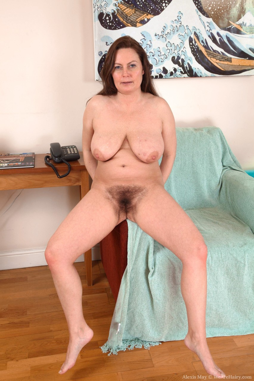 Mature women and grannies. Gallery - 1361. Photo - 17