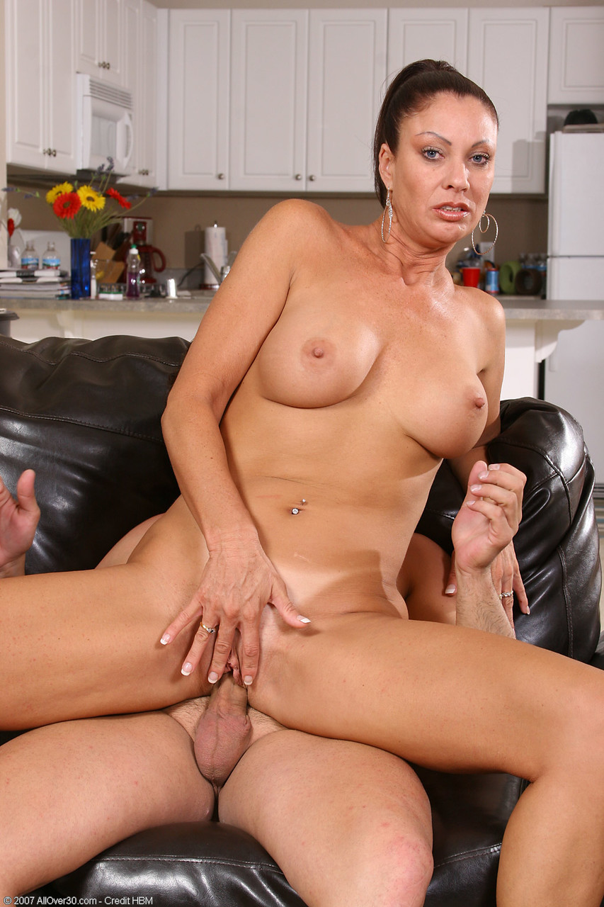 Mature women and grannies. Gallery - 1367. Photo - 14