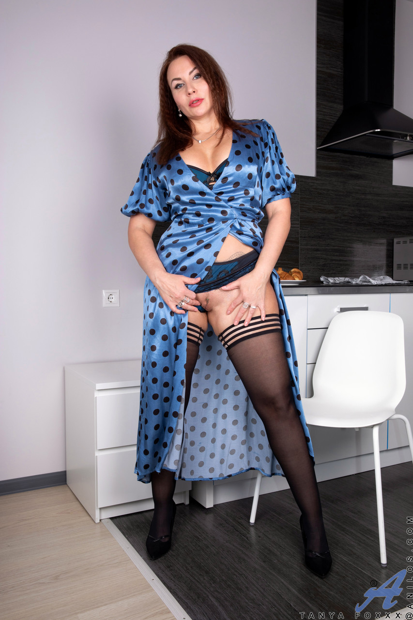 Mature women and grannies. Gallery - 1381. Photo - 5