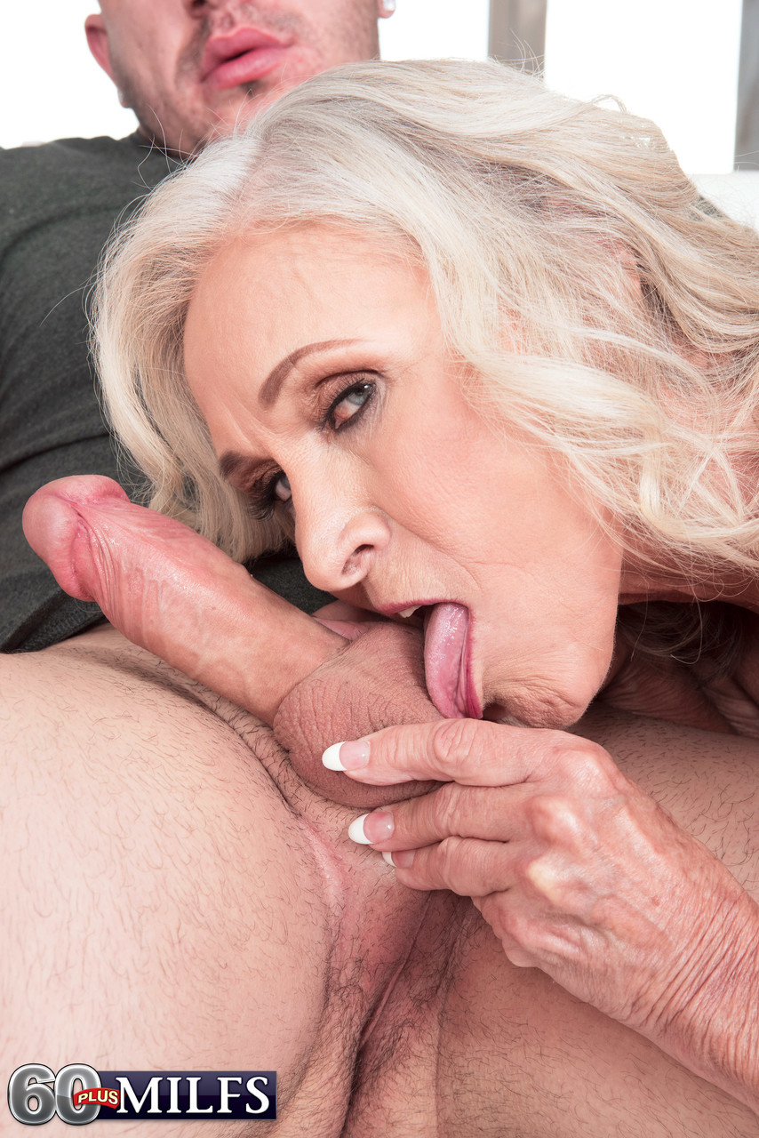 Mature women and grannies. Gallery - 1391. Photo - 7