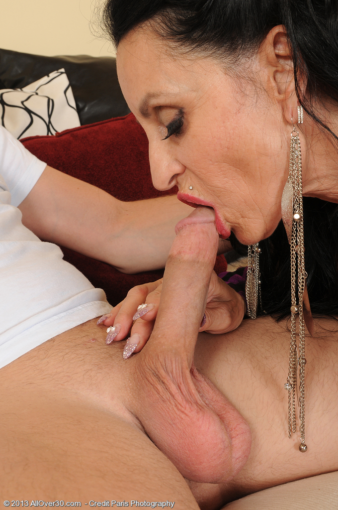 Mature women and grannies. Gallery - 1394. Photo - 3