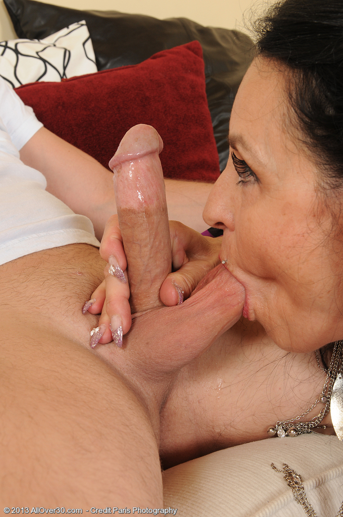 Mature women and grannies. Gallery - 1394. Photo - 5