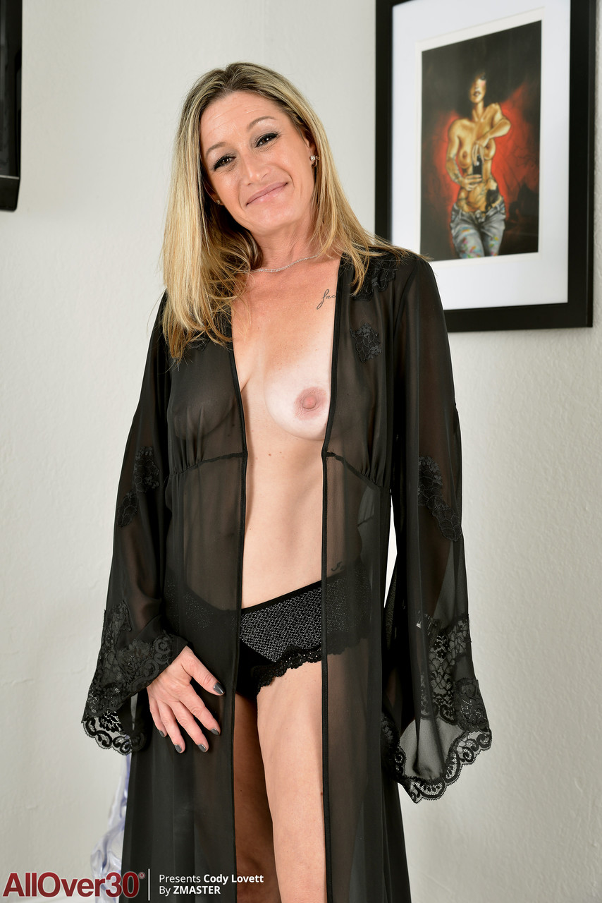 Mature women and grannies. Gallery - 1397. Photo - 1