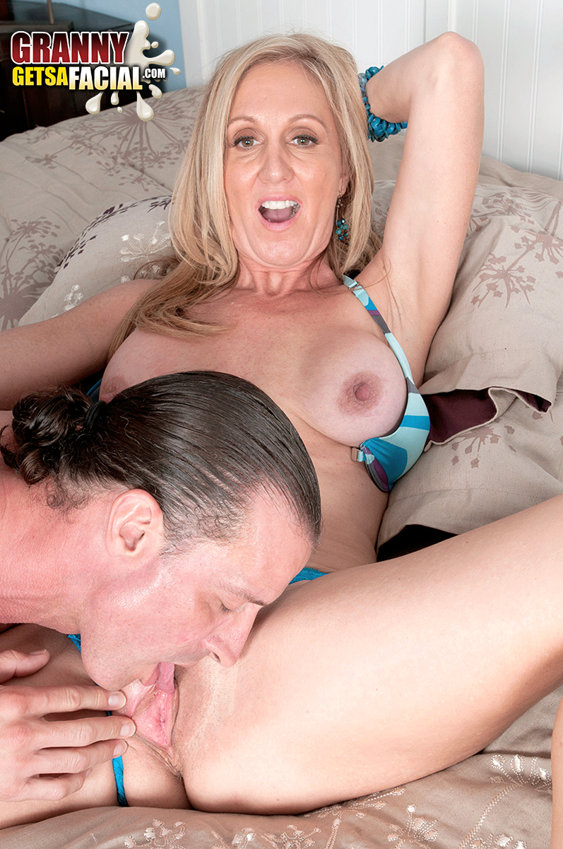 Mature women and grannies. Gallery - 1410. Photo - 10