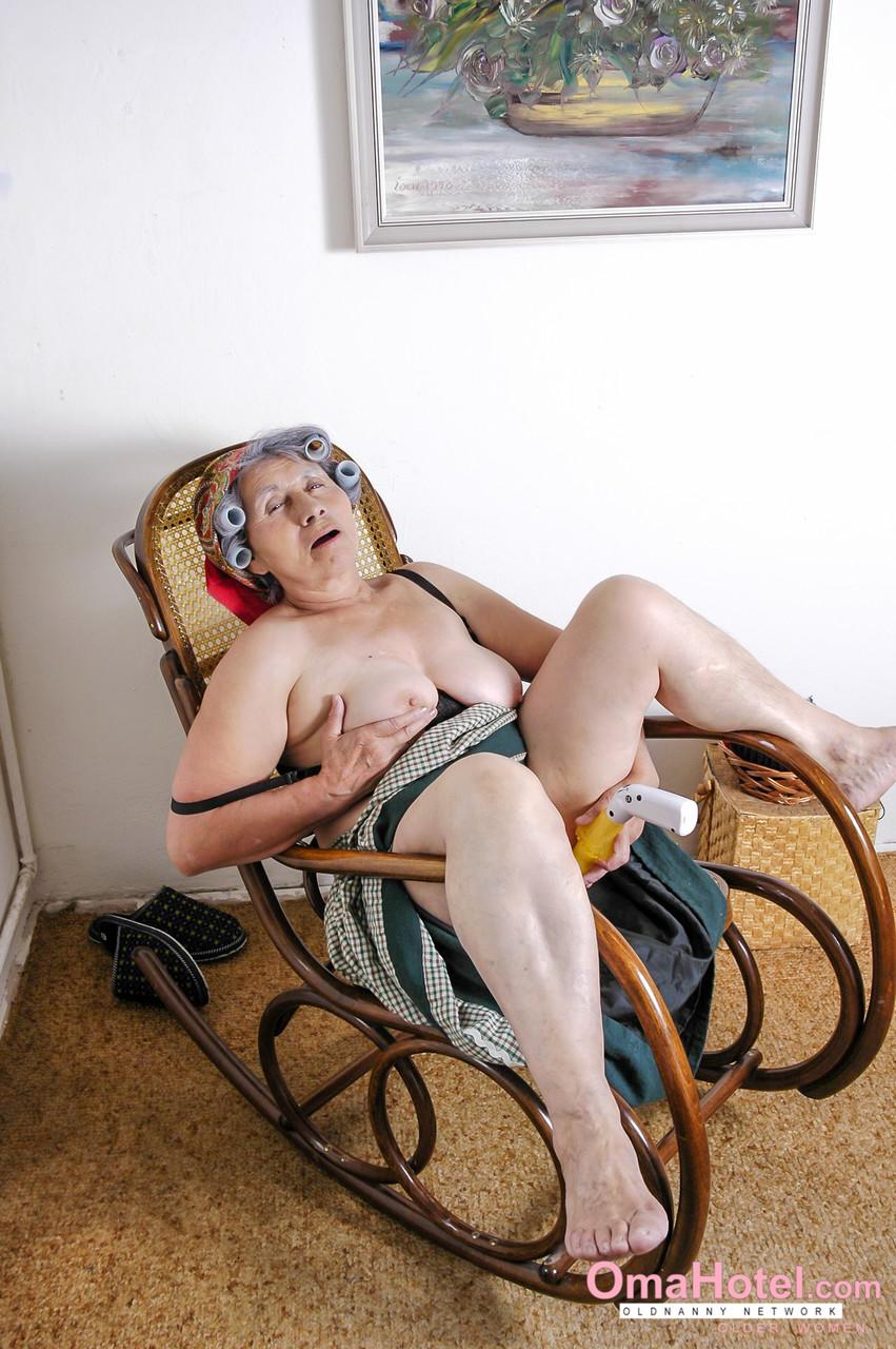 Reife Frauen und Omas. Galerie - 1603. Foto - 14