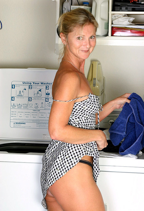Mature women and grannies. Gallery - 257. Photo - 2