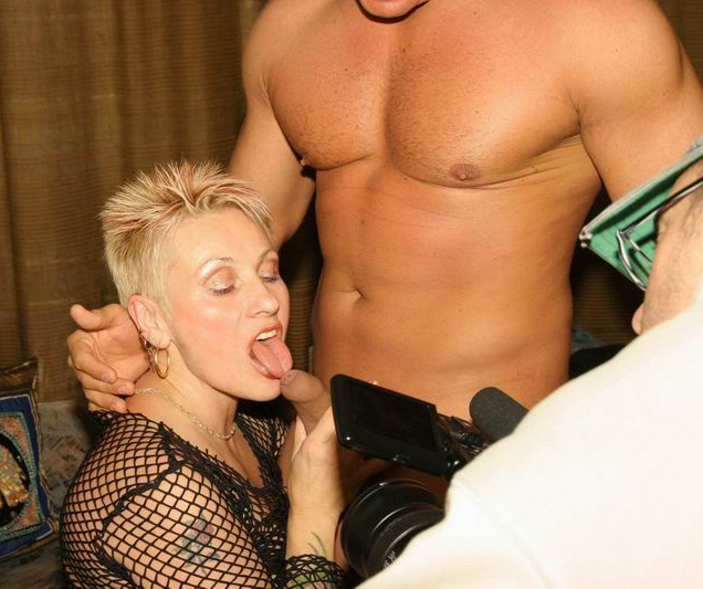 Mature women and grannies. Gallery - 258. Photo - 1