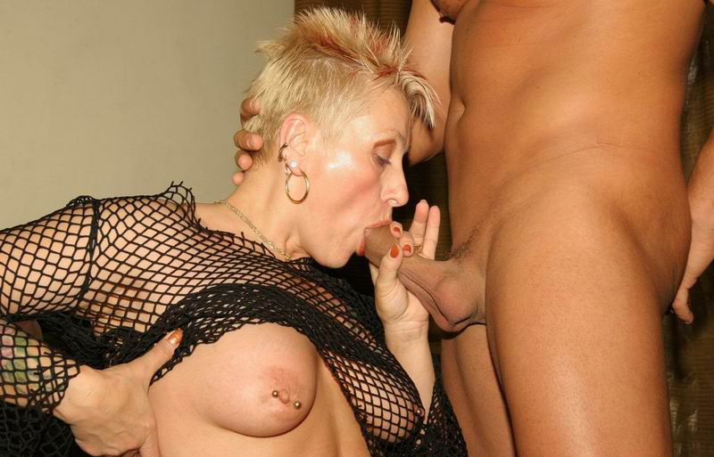 Mature women and grannies. Gallery - 258. Photo - 2