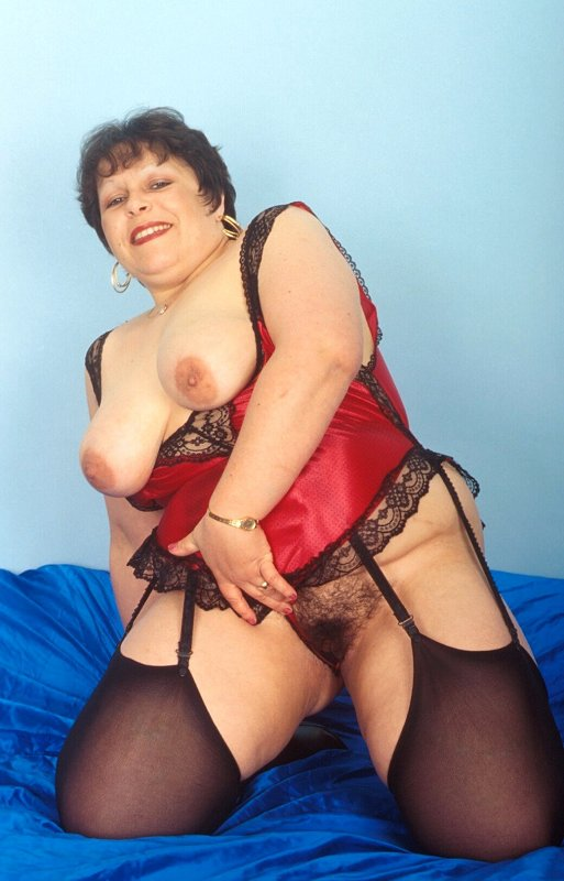 Mature women and grannies. Gallery - 259. Photo - 4