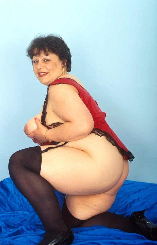 Mature women and grannies. Gallery - 259. Photo - 6