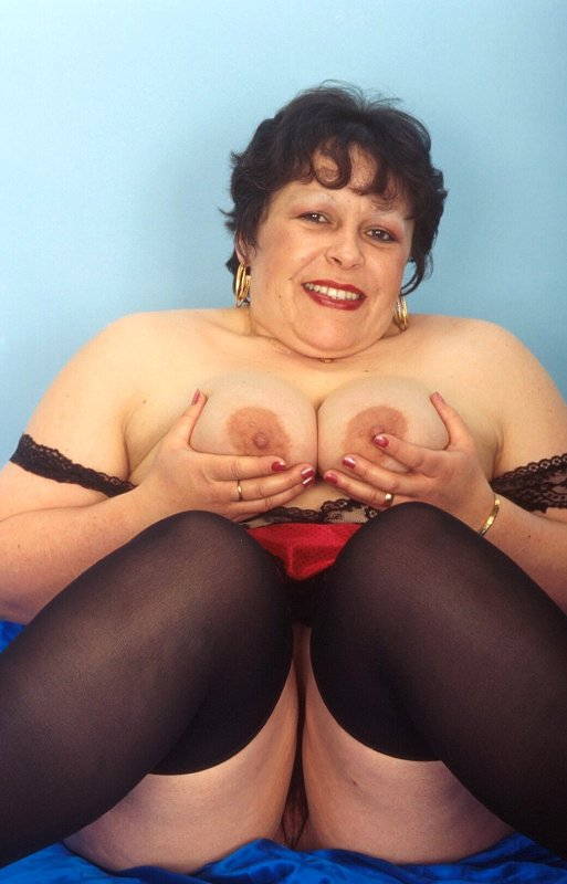 Mature women and grannies. Gallery - 259. Photo - 8