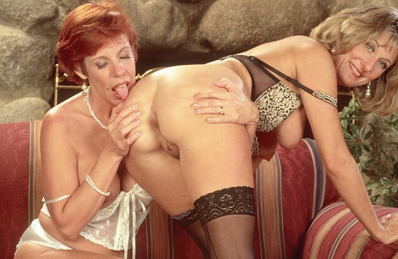 Mature women and grannies. Gallery - 262. Photo - 14