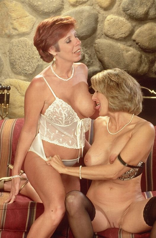 Mature women and grannies. Gallery - 262. Photo - 2