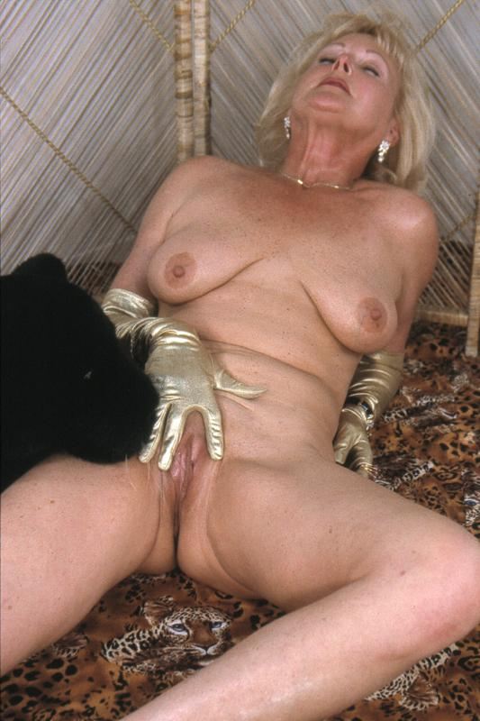 Mature women and grannies. Gallery - 264. Photo - 8