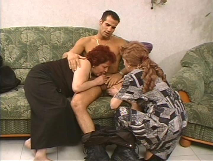 Mature women and grannies. Gallery - 269. Photo - 1