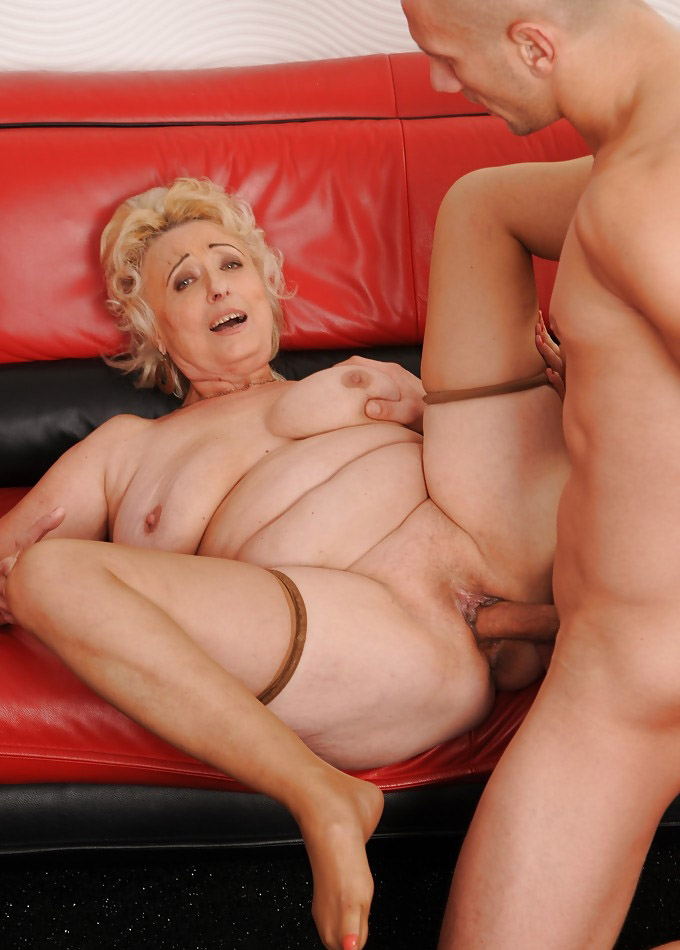 Hot granny deepthroat free adult porn clips