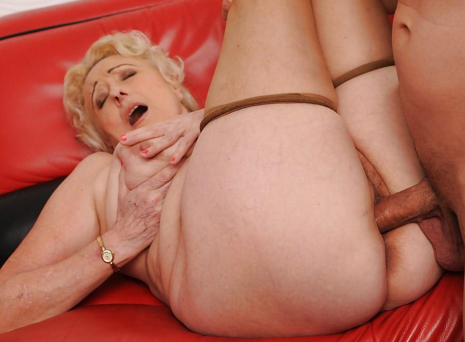 Old granny sex ass