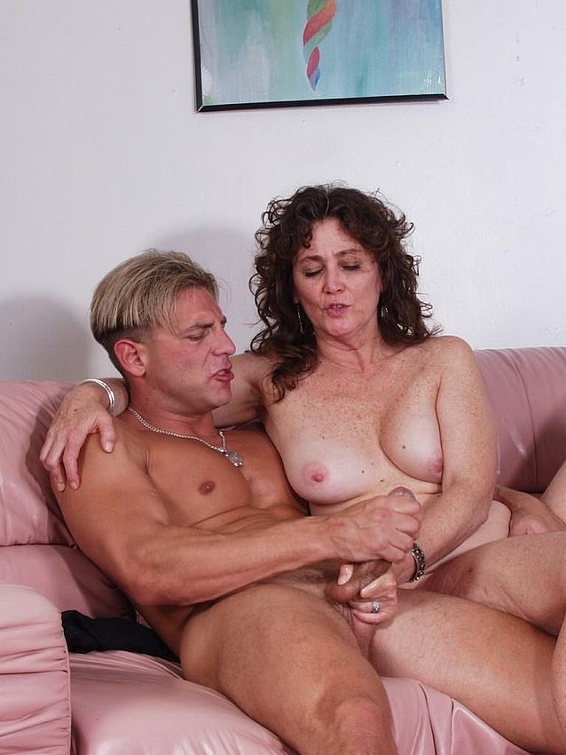 Mature women and grannies. Gallery - 276. Photo - 5