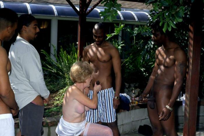 Mature women and grannies. Gallery - 278. Photo - 14