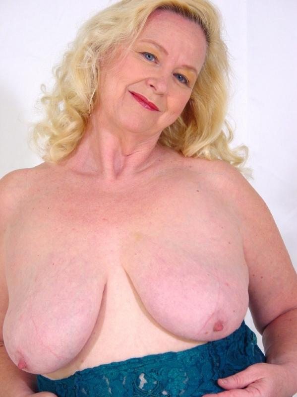 Mature women and grannies. Gallery - 280. Photo - 13