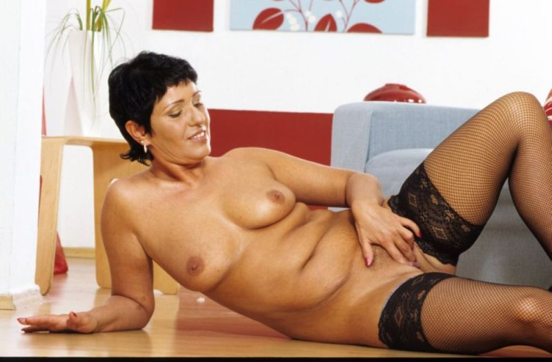Mature women and grannies. Gallery - 282. Photo - 14