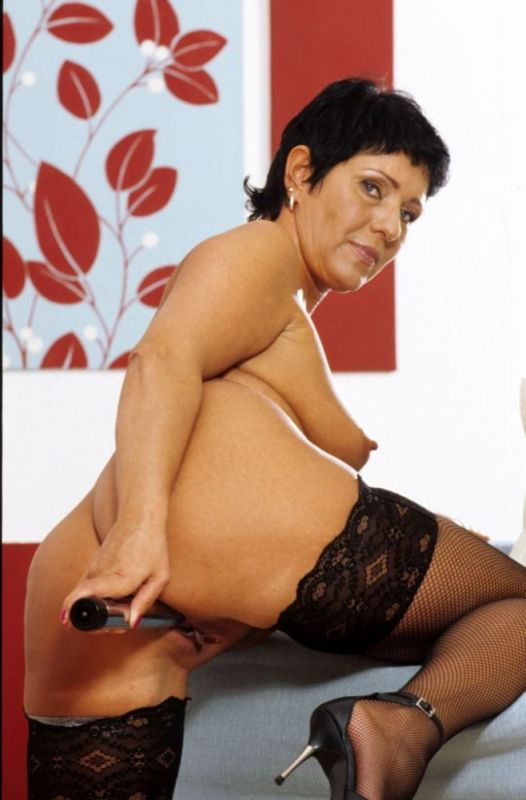 Mature women and grannies. Gallery - 282. Photo - 15