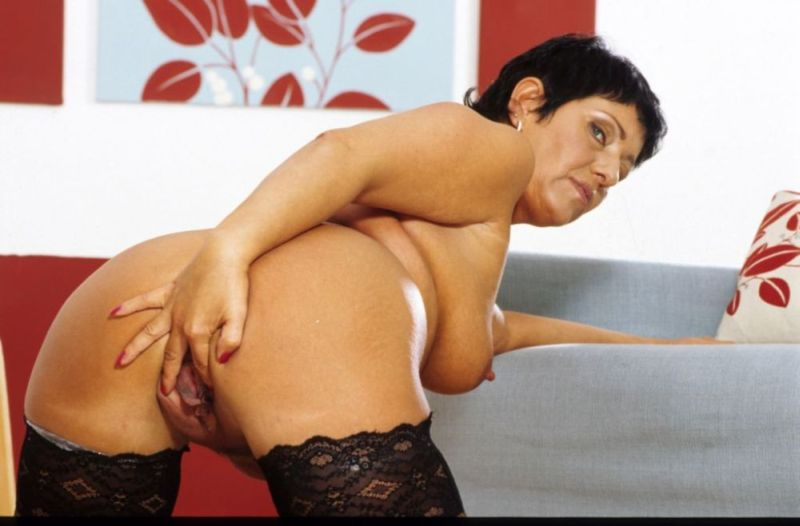 Mature women and grannies. Gallery - 282. Photo - 9