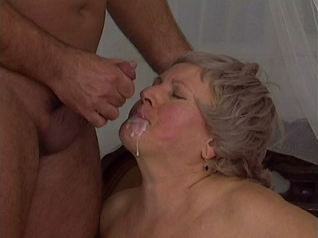 Mature women and grannies. Gallery - 284. Photo - 14